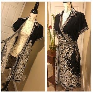 BCBGMAXAZRIA Wrap Dress with Beautiful Print. SZ M